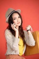 ung asiatisk söt kvinna foto