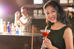 asiatisk brunett foto