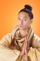 asiatisk spirituell resenär foto
