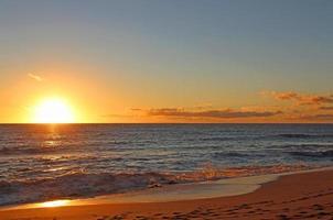 solnedgång i västra oahu foto