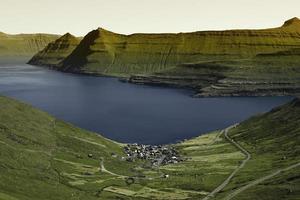 vackert landskap på faröarna foto