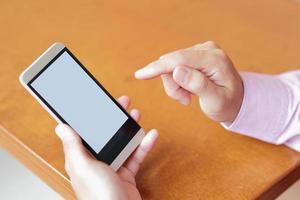 smart telefon med kopieringsutrymme foto