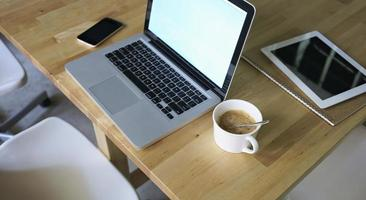 stilleben på bord av en affärsman foto