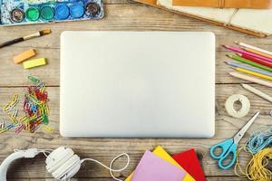 skrivbord av en konstnär foto