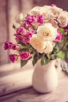 rosor i en vas foto
