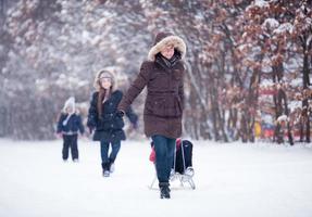 familjen snö kul foto