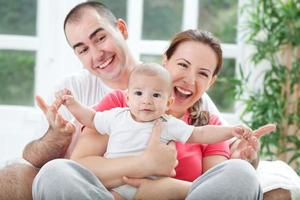 fuuny lyckligt leende familjefoto foto