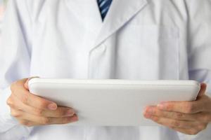 läkare använder surfplattan foto