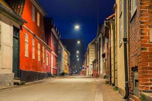 stad på natten foto