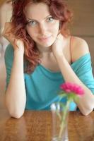 porträtt rödhårig kvinna foto