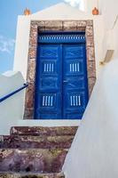 antikblå dörr foto