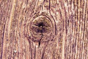 gammalt knäckt trä foto
