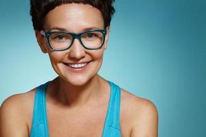glad kvinnas porträtt foto