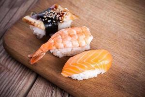 färsk sushi foto