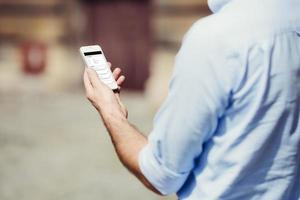 man med smartphone foto