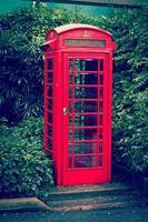 röd engelska telefonkiosk foto