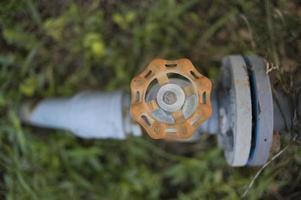 rör och ventil och monteringsflänsrör foto