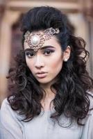 skönhet arabisk dam i en sensuell skönhet porträtt foto