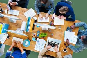 affärsfolk som arbetar på företagets teamkoncept foto