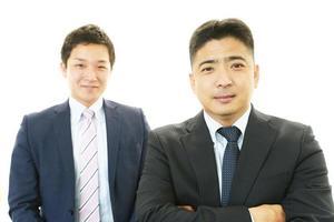 porträtt av affärsmän på deras kontor foto