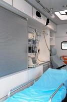 insidan av en ambulans. foto