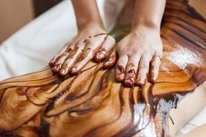 varm chokladmassage foto