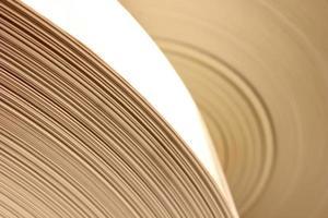 närbild av flera sidor med blankt papper foto