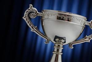 vinnaren av silverkoppen foto