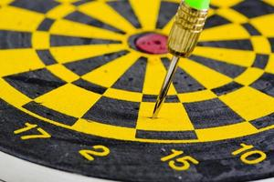 en dart i mål foto