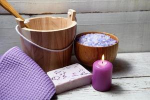 badrum med lavendel foto