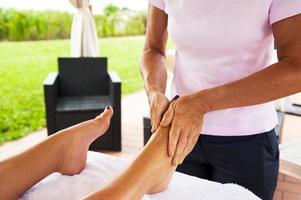 fötter massage foto