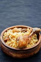 pilaf med dadlar, fikon och kyckling