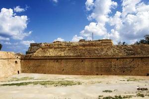 venetianska befästningsväggar i Chania foto