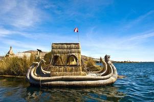uros - flytande öar, Titicacasjön, Peru-Bolivia foto