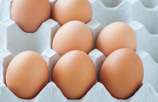 brunt kycklingägg foto