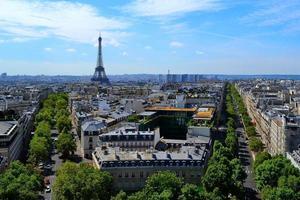 utsikt över paris från Triumfbågen foto