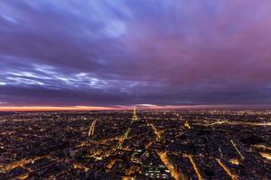 natt utsikt över Paris foto