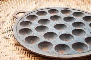 kanom krok, efterrätt thai sött. thailändsk kokosnötpudding foto