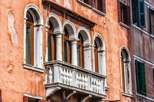 venetiansk balkong, Italien foto