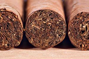 äkta kubanska cigarrer foto