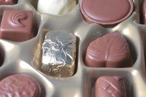 närbild av choklad i rutan