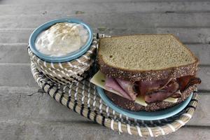 deli rostbiffsmörgås foto