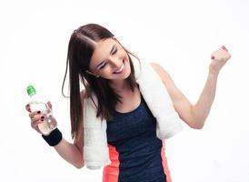 fitness kvinna firar sin seger foto