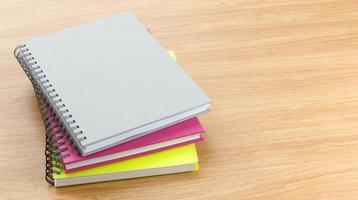 färgglada vackra av noteboook foto