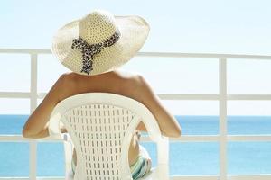 kvinna i en hatt