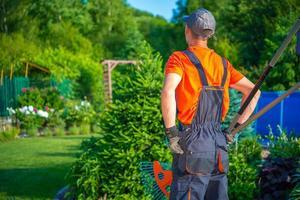 trädgårdsmästare redo att arbeta foto