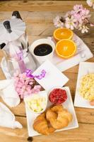 frukostbord foto