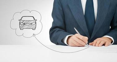 underteckna bilförsäkring foto