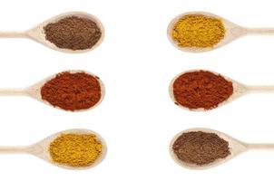 matlagning med kryddor foto
