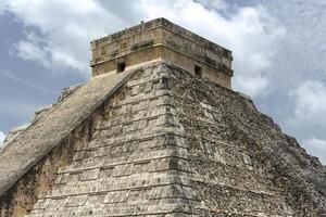 piramid chichen itza foto